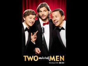 CBS divulga novo pôster com Ashton Kutcher na abertura de 'Two and a half men'