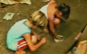 criancas-brincando-quintal