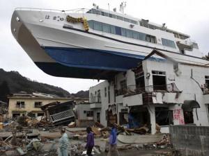 barco-vai-parar-em-cima-de-casa-japao