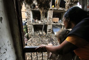 terremoto-nepal-escombros