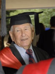 australiano-de-97-anos-termina-mestrado