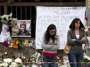 homenagem-a-estudante-assassinada-italia