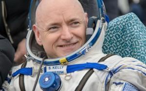 Astronauta cresce cinco centímetro após um ano no espaço
