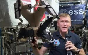 Astronauta britânico se torna o primeiro homem a correr maratona no espaço