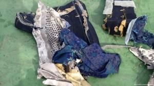 Egito divulga imagens de destroços do voo MS804