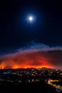 Após mortes e casas destruídas, incêndio na Califórnia ameaça turismo e comércio