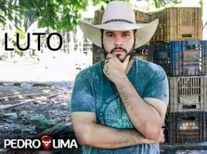 Cantor sertanejo morre carbonizado em trágico acidente de carro em SP