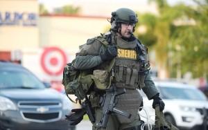 Tiroteio nos Estados Unidos matam três policiais e deixam outros feridos