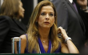 Após se mudar, mulher de Cunha é intimada por Moro a informar novo endereço