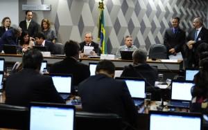 Comissão do impeachment aprova relatório que pede o julgamento de Dilma Rousseff