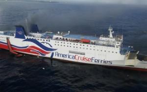 Navio de turismo tem evacuação forçada após registro de incêndio a bordo