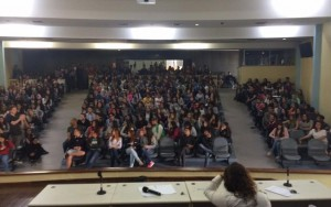 Pressão de alunos reduz aumento de mensalidades em faculdade em SP