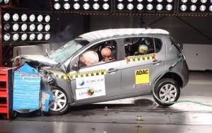 Fiat Palio tem nota de segurança rebaixada em teste de colisão