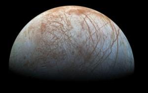 Cientistas descobrem indícios de jatos de água em lua de Júpiter