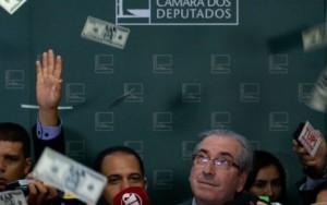 Moro bloqueia carros de luxo de mulher e de filha de Eduardo Cunha