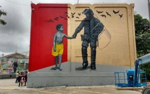 Grafiteiros ilustram quartéis do Batalhão de Choque em evento cultural em SP