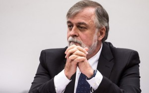 Paulo Roberto Costa deixa de usar tornozeleira eletrônica