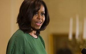 Prefeita renuncia após apoiar publicação racista contra Michelle Obama