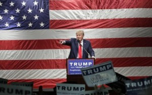 Donald Trump avalia nome de Mitt Romney para secretário de Estado