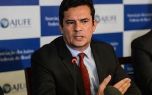 O preço de ser honesto no Brasil é ter cinco seguranças em volta