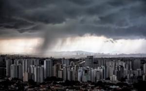 Fortes chuvas fazem toda São Paulo entrar em estado de atenção para alagamentos