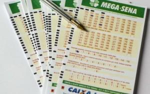 Mega-Sena acumula e prêmio pode chegar a R$ 9 milhões na quarta-feira