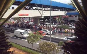 Composição do Metrô descarrila na zona leste de São Paulo; não houve feridos