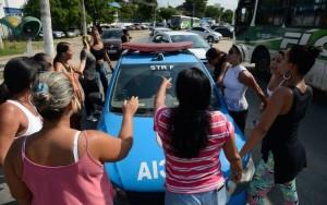 Mulheres de policiais fazem protestos pelo segundo dia no Rio de Janeiro