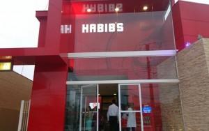 Imagens reforçam relato de agressão a garoto morto e Habib's afasta funcionários