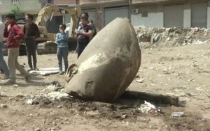 Arqueólogos egípcios encontram estátua gigante de faraó Ramsés II no Cairo