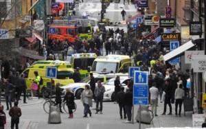 Ataque com caminhão deixa ao menos três mortos em Estocolmo; suspeito foi detido