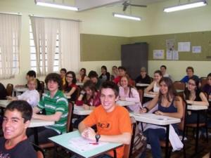 ensino-medio-estudantes