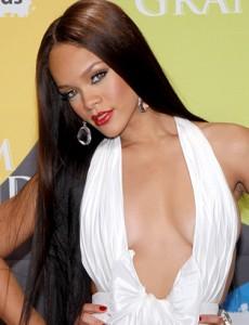 Rihanna fala apos agressão