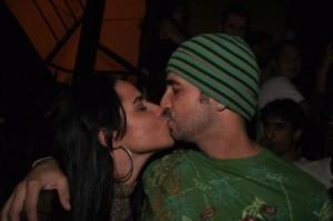 beijo-perlla-latino