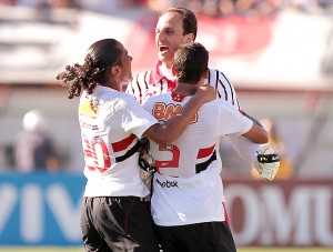 rogerio-ceni-comemora-gol-numero-98