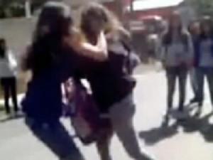alunas-brigando-escola-sp