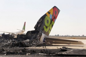 destrocos-da-aeronave-o-aeroport-de-tripoli