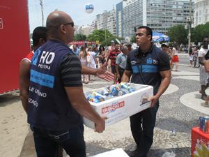 apreensao-mercadoria-em-copacabana
