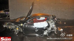 ferrari-destruida-acidente-china