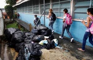 lixo na escola